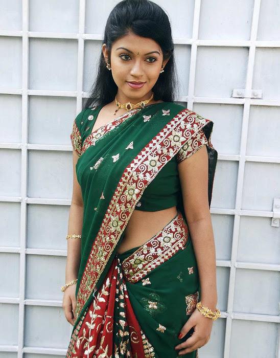 tollywood prathishta in green saree unseen pics