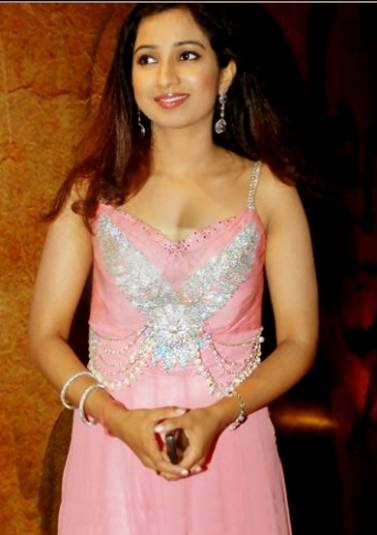 Indian Singer Shreya Ghoshal sexy Pics
