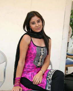 Tollywood Babe Bhanu Sri Mehra Pictures, Bhanu Sri Mehra in Churidar