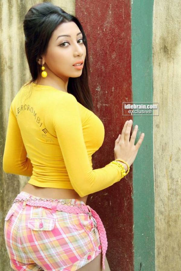 ... /eoYGqIo4JY8/s1600/Sarmi-Karati-Kolkata-Bangali-Actress-Models_0.jpg