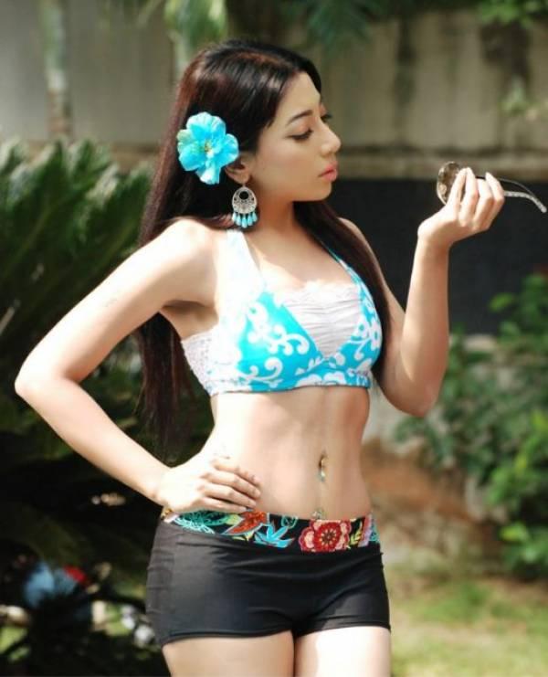 http://3.bp.blogspot.com/_mCQCUdBDa_U/S860HCeS7yI/AAAAAAAAHPs/PtiN5BV4xdE/s1600/Sarmi-Karati-Kolkata-Bangali-Actress-Models_9.jpg
