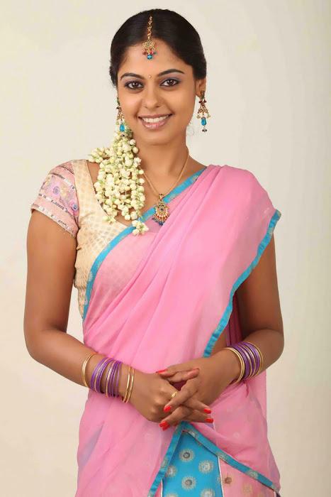 bindhu madhavi half saree bindhu madhavi bindhu madhavi pinkred saree actress pics