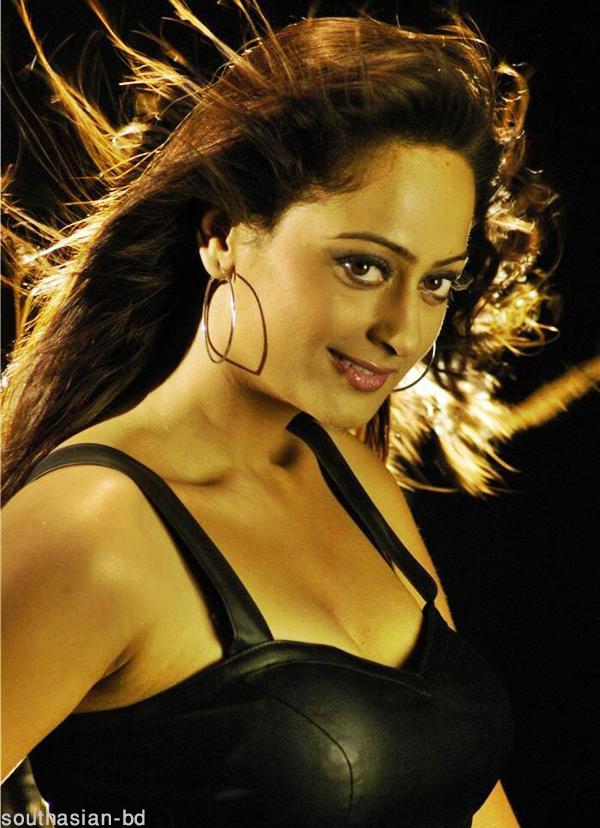 , Kaveri Jha latest hot pics in Black Dress