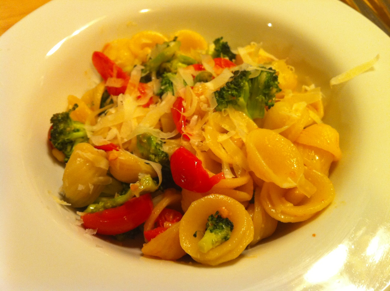 NOJuju: Orecchiette with Broccoli, Tomatoes and Pine Nuts