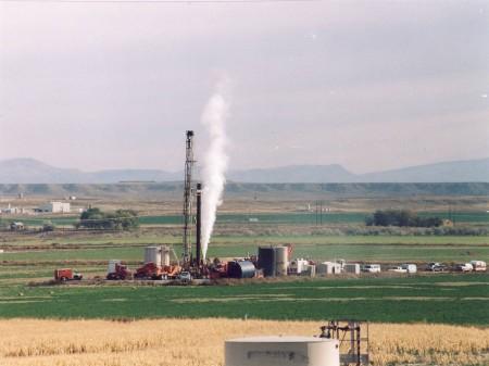 http://3.bp.blogspot.com/_mE1EOXyILXs/TRnD86VoJzI/AAAAAAAABhM/kDDwUCZx8eQ/s1600/fracking%2Bfarm%2Bpowderriverbasin.jpg