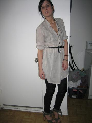 chemise et ceinture(Zara), legging(H&M),souliers(Dolce&Gabbana), colliers(forever21), montre(NY)