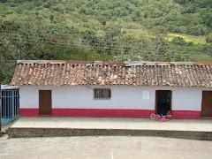 """Casa en Aldea """"Las Cumbres"""":"""