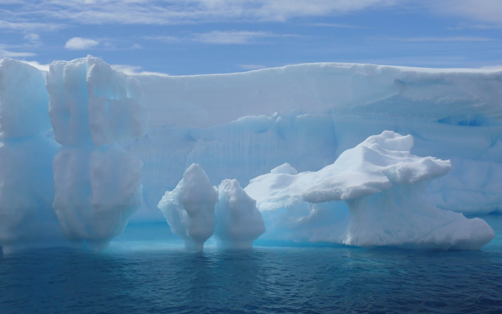 http://3.bp.blogspot.com/_mGkoANc7fi0/TQpSuJ3S33I/AAAAAAAAAgk/WYTFN8_tSlE/s1600/antarctic_iceberg_wallpaper_winter_nature_wallpaper_1920_1200_widescreen_1168.jpg