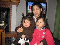 Con mamá y Lucía