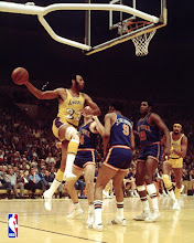 ELGIN BAYLOR (1958-71)