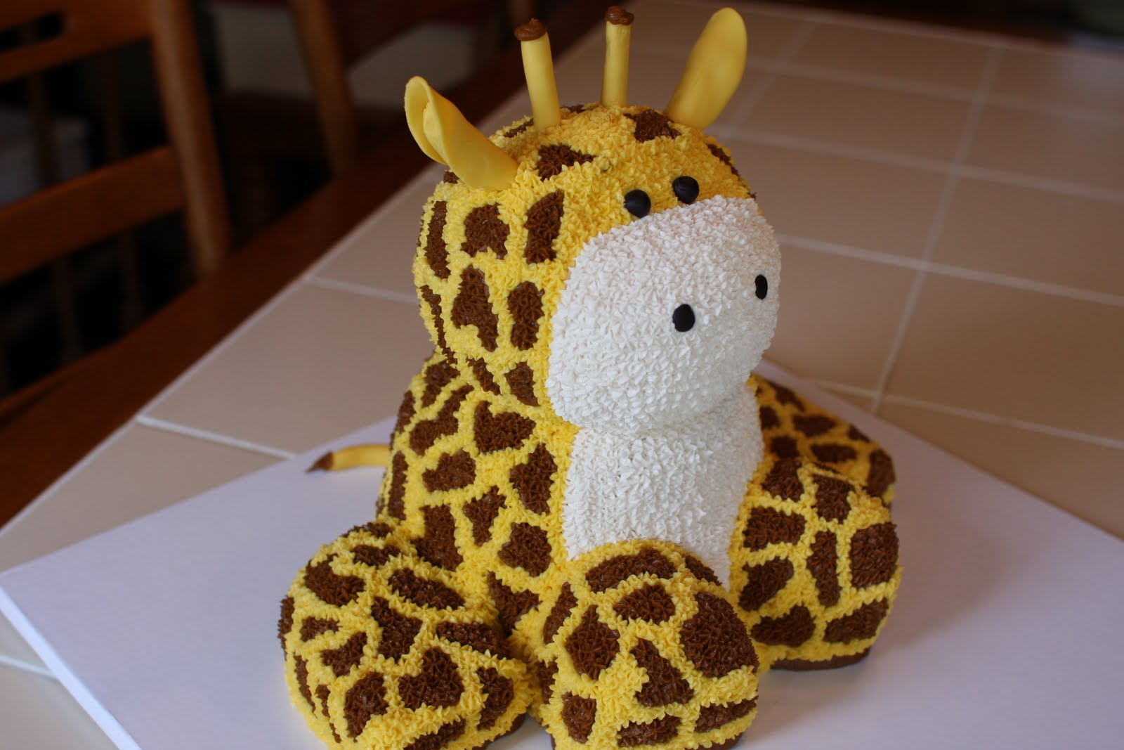 The buttercream bakery giraffe cake