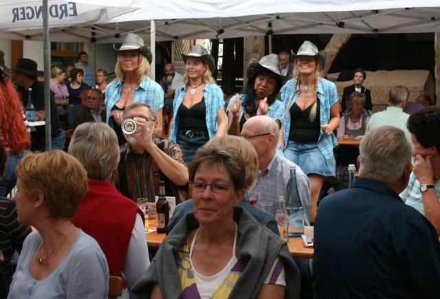 13.08.2010 mit Hillbilly Deluxe im Himmeroder Hof