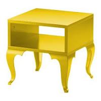 mesa de apoio amarela