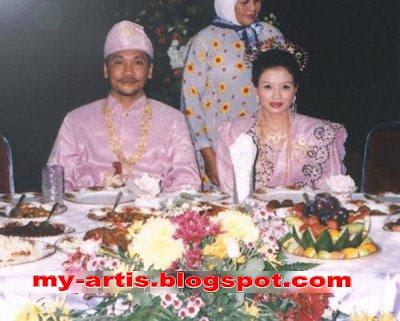 Benarkah ini gambar perkahwinan Eja?? - Klik untuk gambar besar
