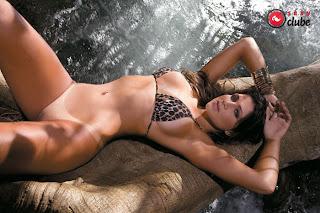 Lindas Mulheres Que Posaram Nuas Para A Revista Sey