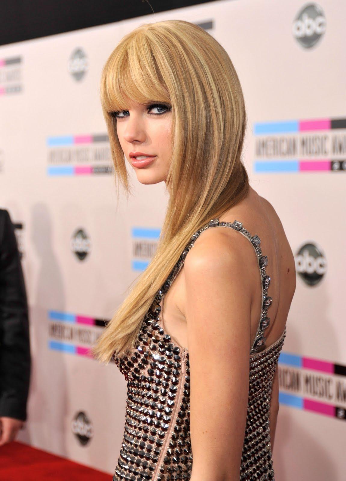http://3.bp.blogspot.com/_mKhYEA-O8UQ/TOq5FQTx0YI/AAAAAAAAC_U/lCIXwEYC-6U/s1600/Taylor%2BSwift.jpg