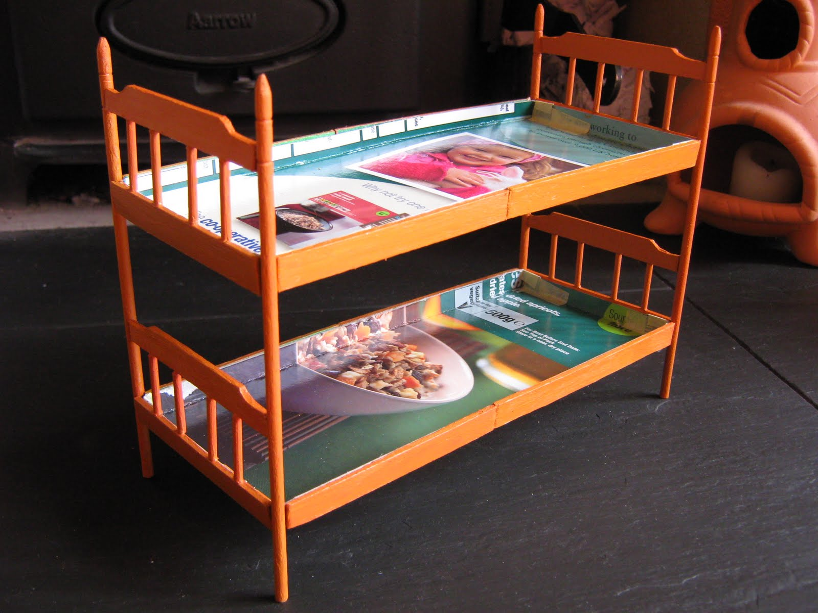 The craft arty kid old blog my model room 5 bunk beds - Beds for small space model ...