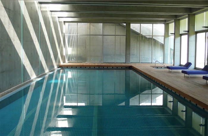 Casas minimalistas y modernas piscinas cubiertas e internas - Piscinas interiores climatizadas ...