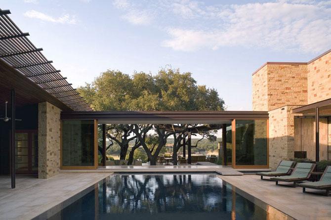 Casas minimalistas y modernas piscinas en patio interior for Home designs resort style