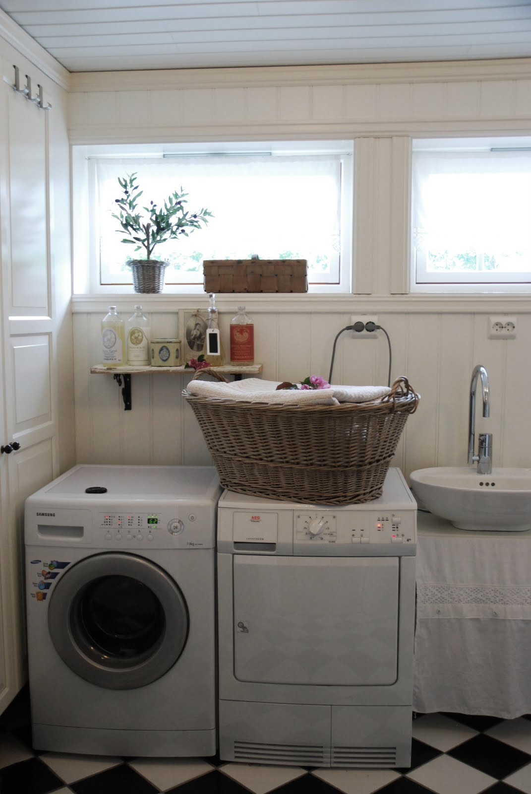 Estilo rustico lavaderos rusticos for Patio con lavadero