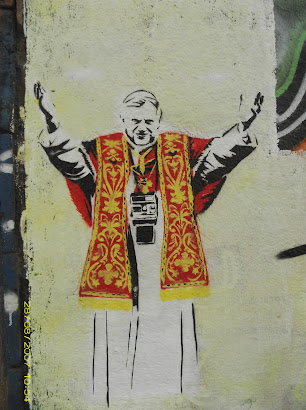 El papa Ratzinger by Dildosociety