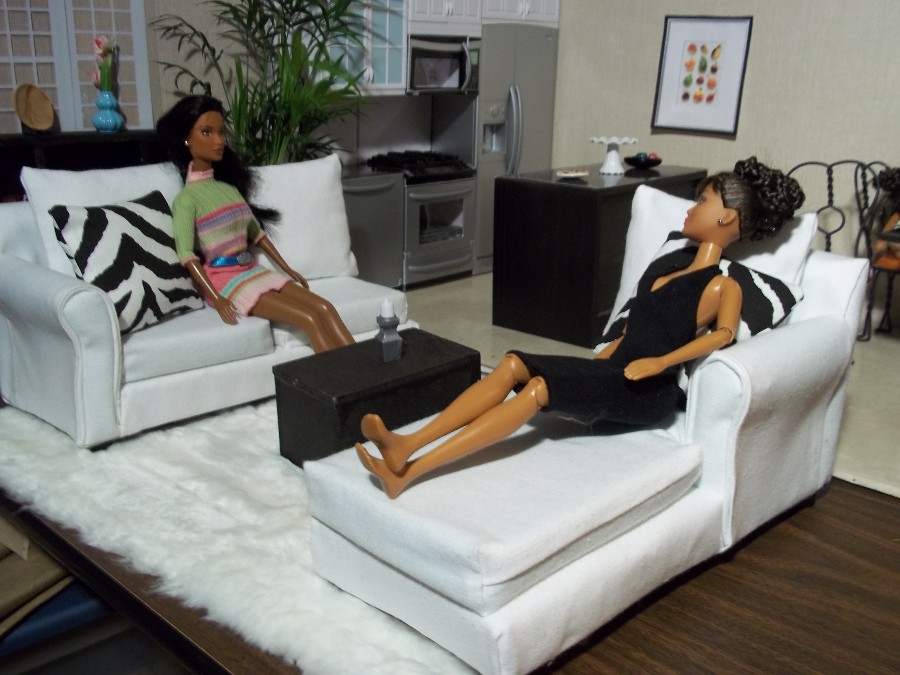 Fashion Dolls at Vans Doll Treasures The White Sectional
