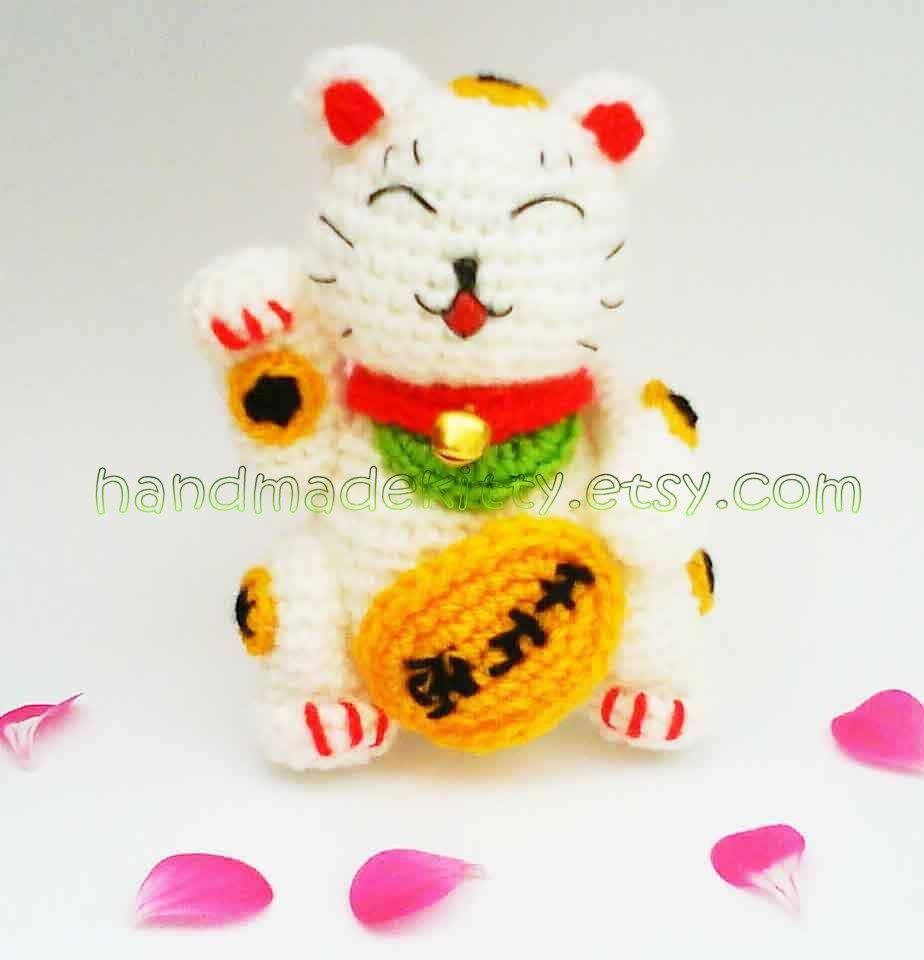 HandmadeKitty: Maneki Neko Lucky Cat Amigurumi Crochet Pattern