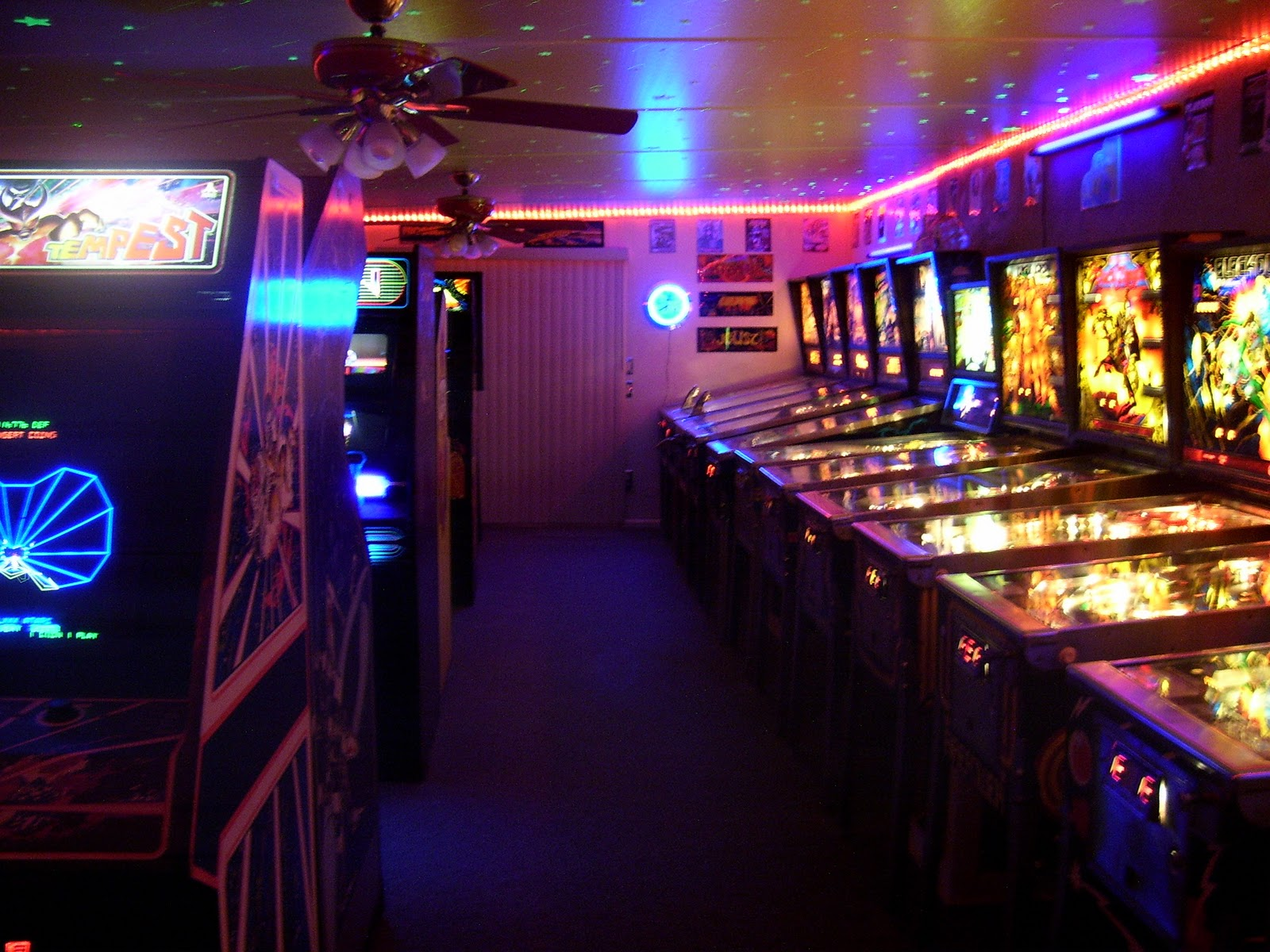 DOUG 39 S HOME 80 39 S ARCADE GAME ROOM
