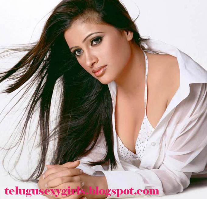 see hot bollywood actress