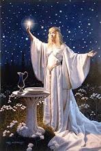 El modelo de mujer sacerdotisa
