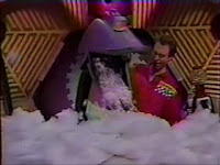 Okay, why was Gypsy eating cotton, and how did her stomach spontaneously generate another Tom Servo?