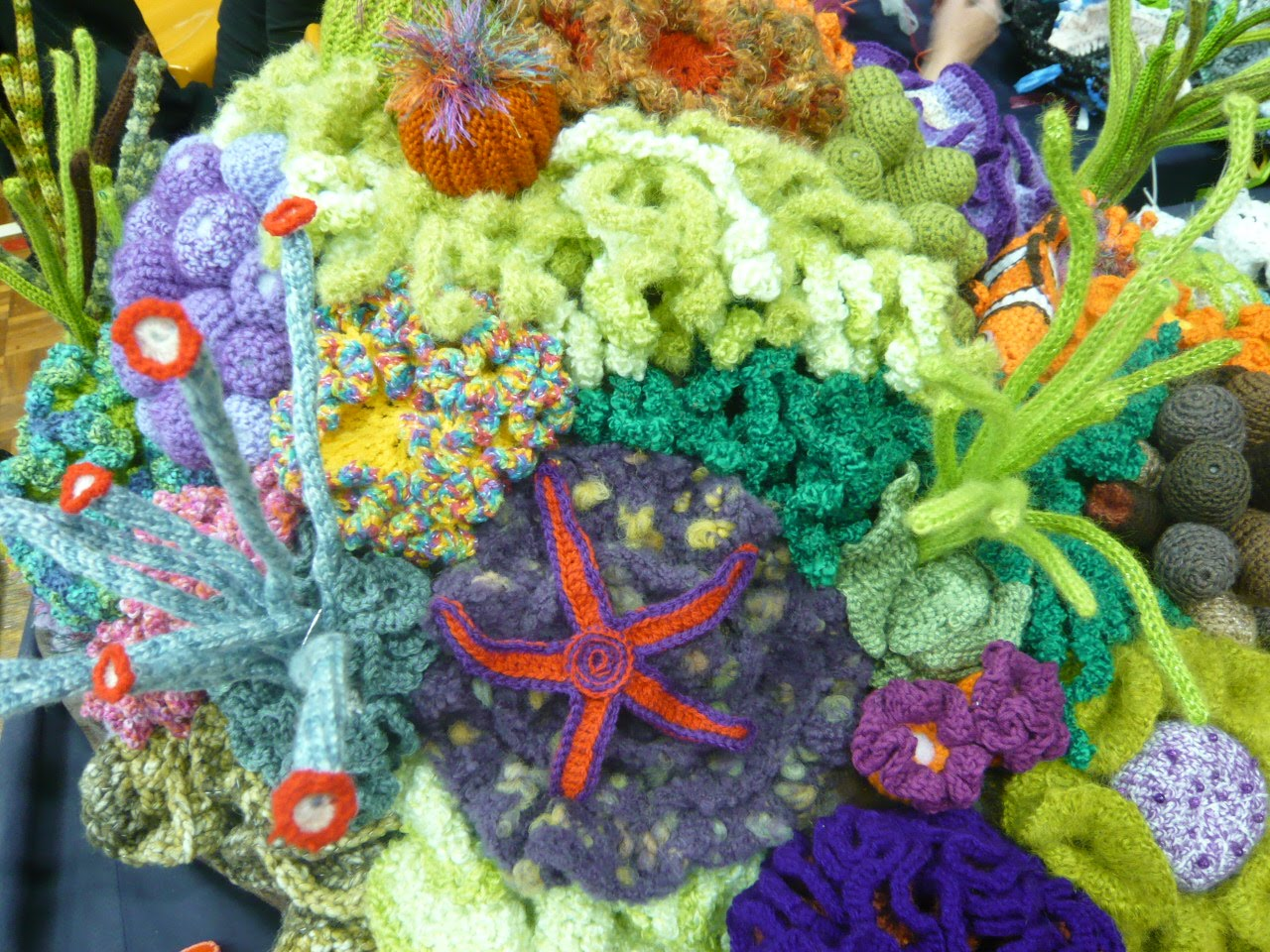 Crochet Coral Reef : Crochet your own coral reef