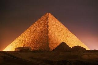 எகிப்து மம்மிகள் உருவான காரணம் Egypt_pyramids_with_the_egyptian_py_r5zp