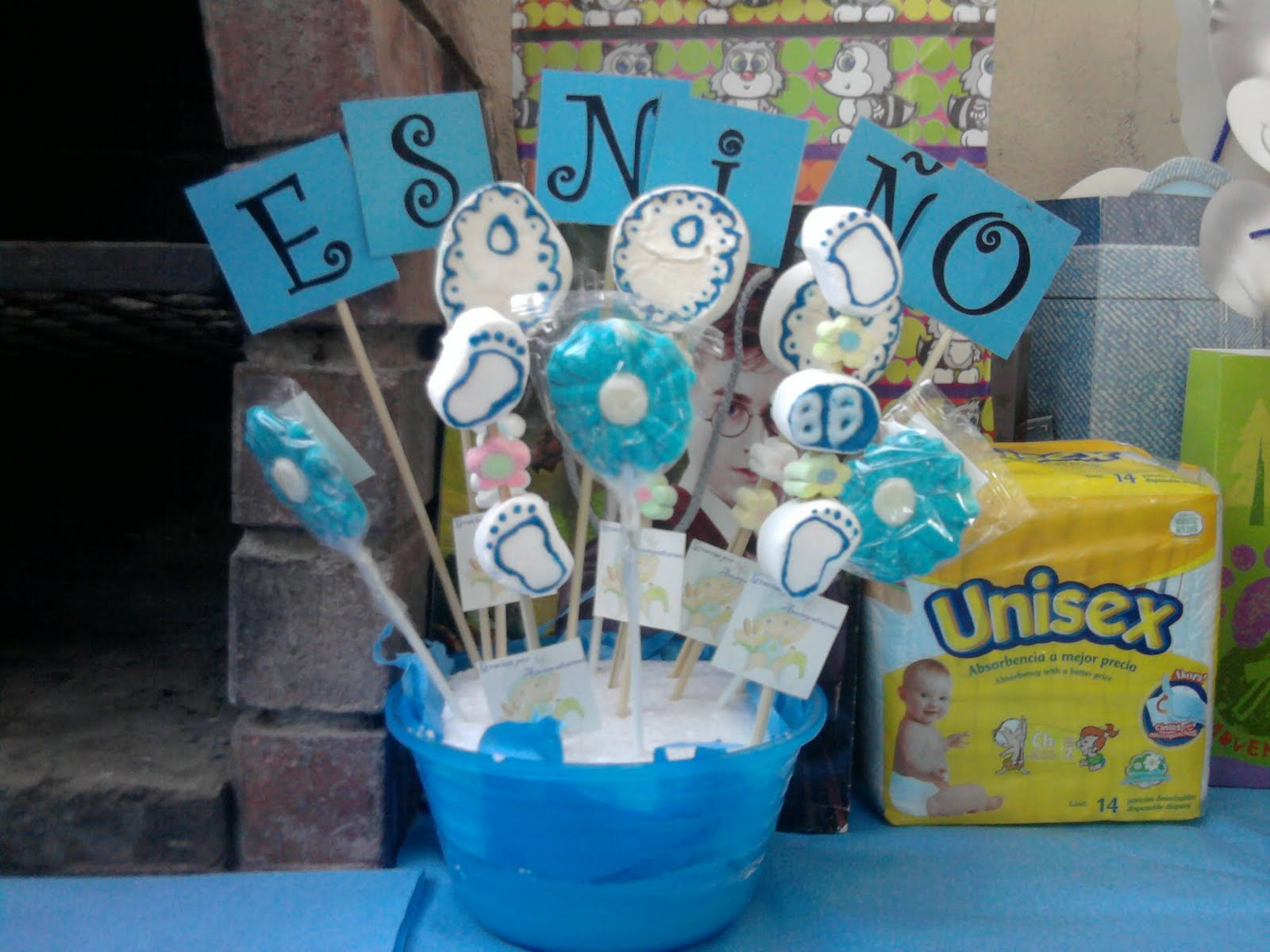 Famous images recuerdos en paletas de chocolate para for Centro de mesa baby shower
