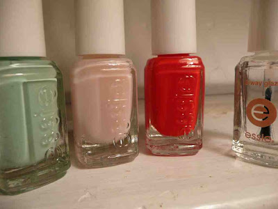 Travels With Euridice: Essie Holiday 2009: Sweet Time of Year