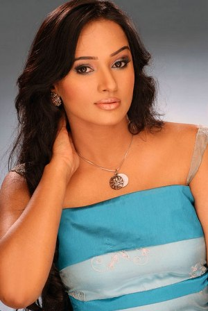 beautiful_south_indian_hot_actresses7.jpg (300×448)