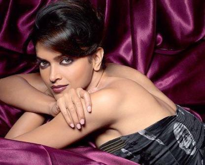 Deepika Padukone Hot Sexy