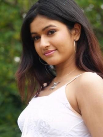 Poonam Bajwa Hot Wallpapers