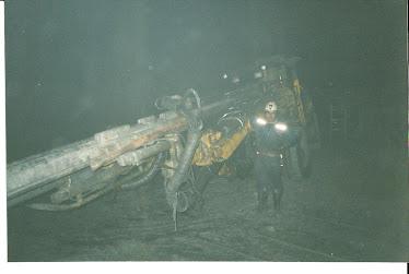 dentro de la mina raura-peru
