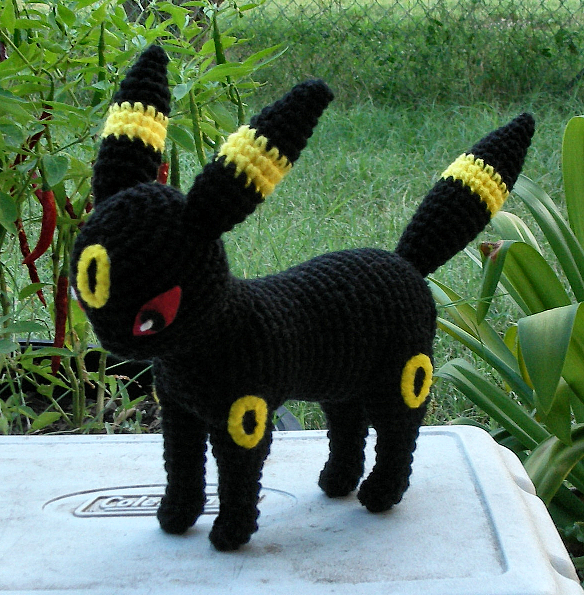 Crochet Umbreon : WolfDreamer: Umbreon Plushie