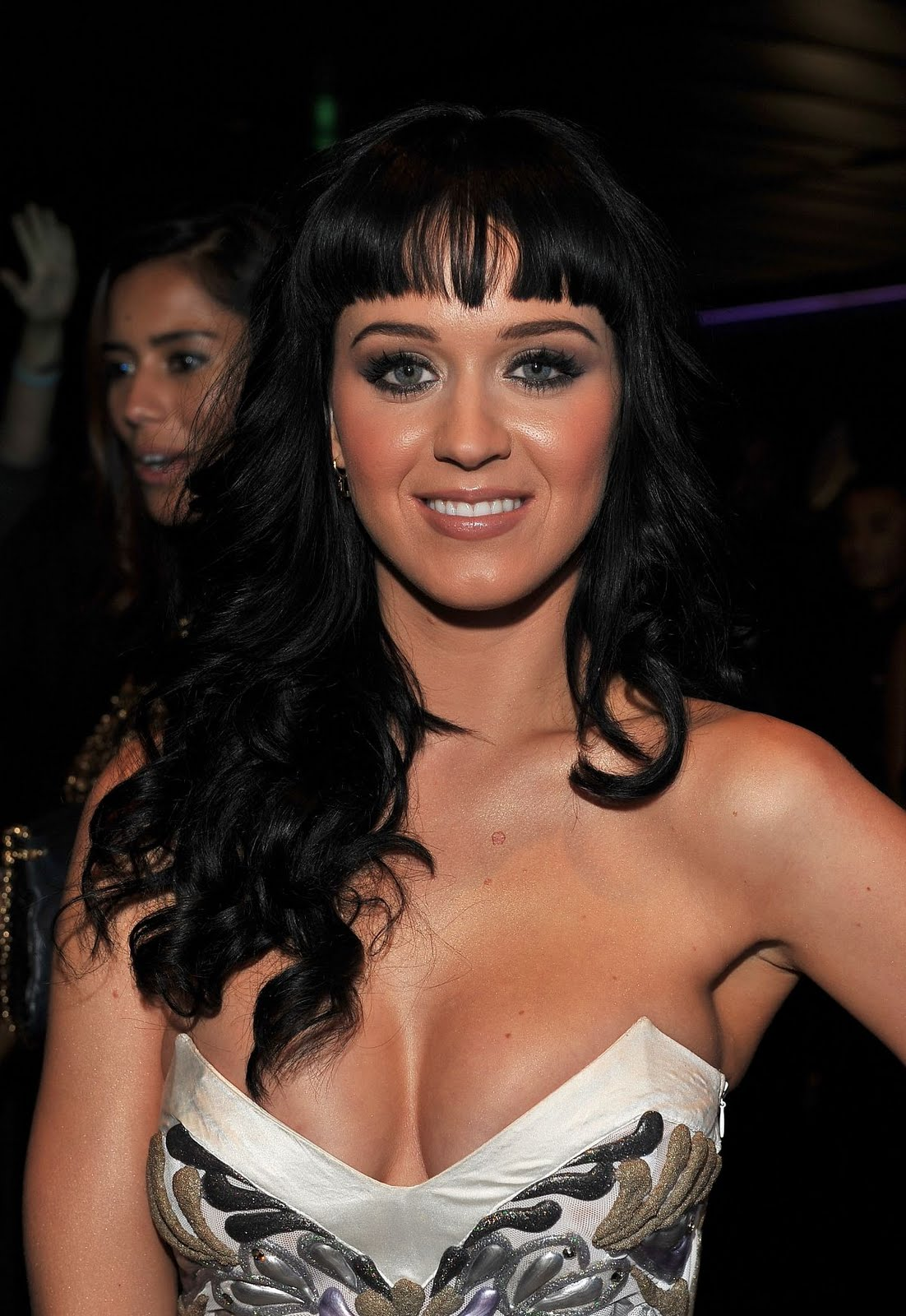 http://3.bp.blogspot.com/_mZdKbx-D5gY/TQtO9yDmZZI/AAAAAAAAA1Q/qcYMYZUO_bM/s1600/katy-perry-grammy-nominations-2010-pictures-2.jpg