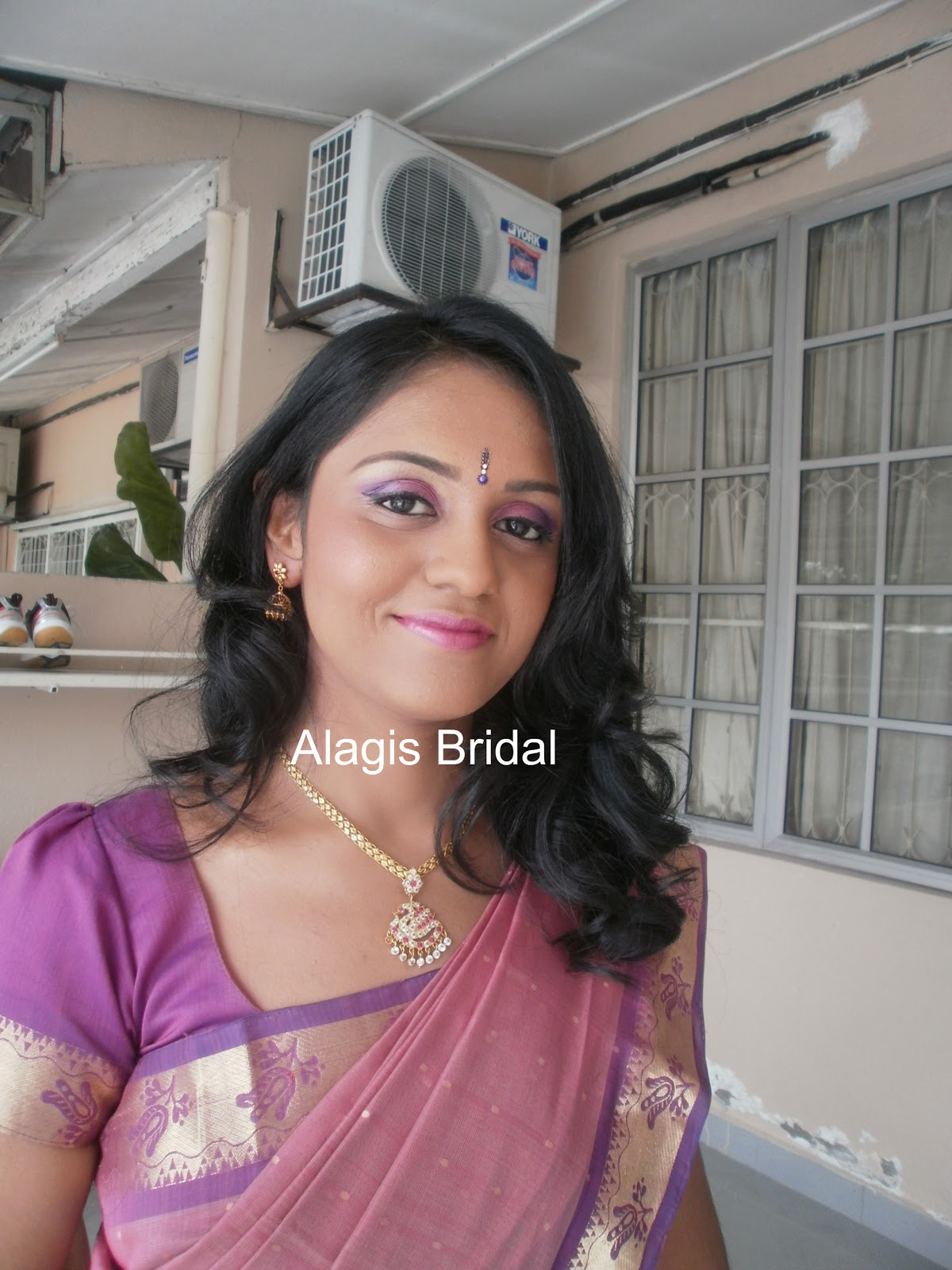 Alagis Bridal http://www.alagisbridalbeauty.com/2010/10/makeup-for