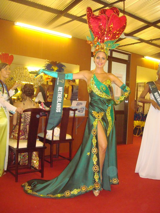 Netherlands National Costume http://blackaquini.blogspot.com/2010/11/miss-earth-2010-national-costumes.html