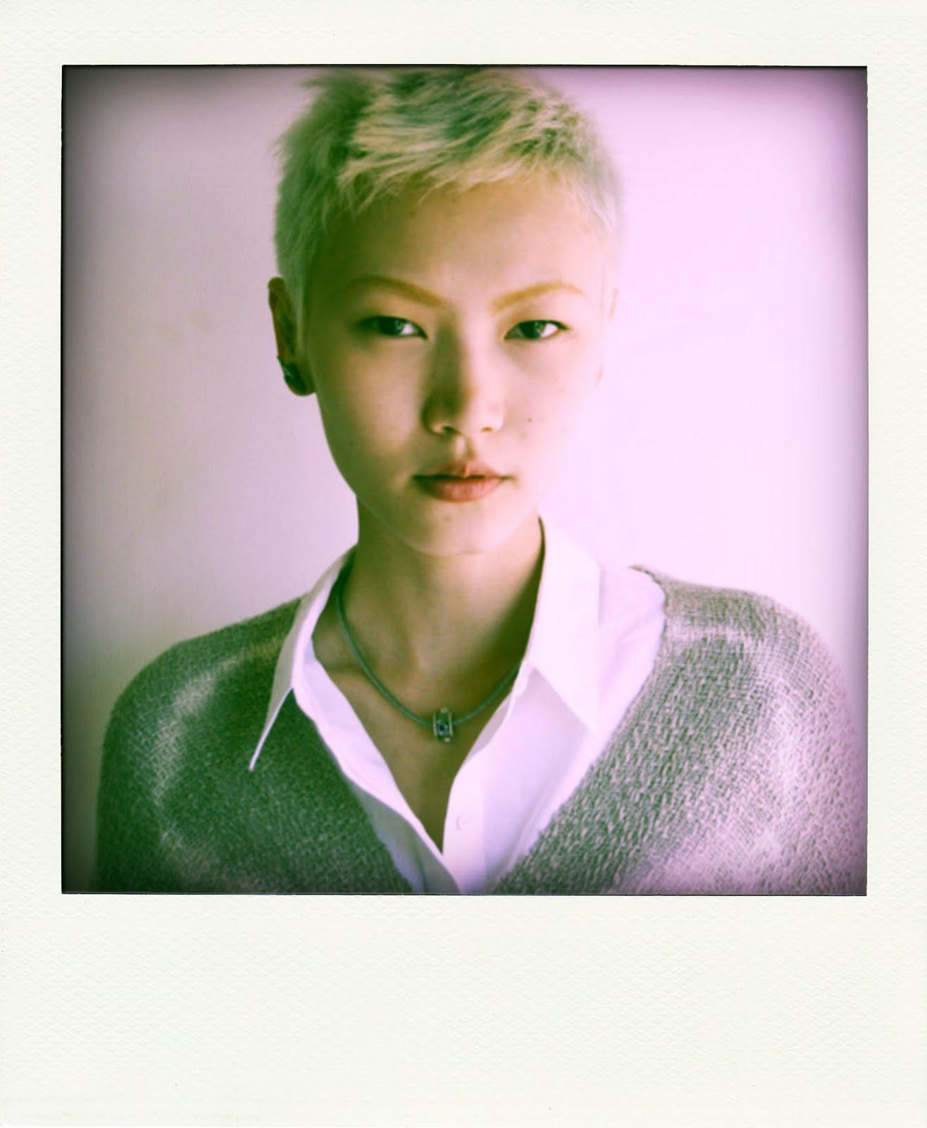 Gwen Model http://asianmodelsblog.blogspot.com/2010/06/gwen-lu-polaroids-from-major-models.html