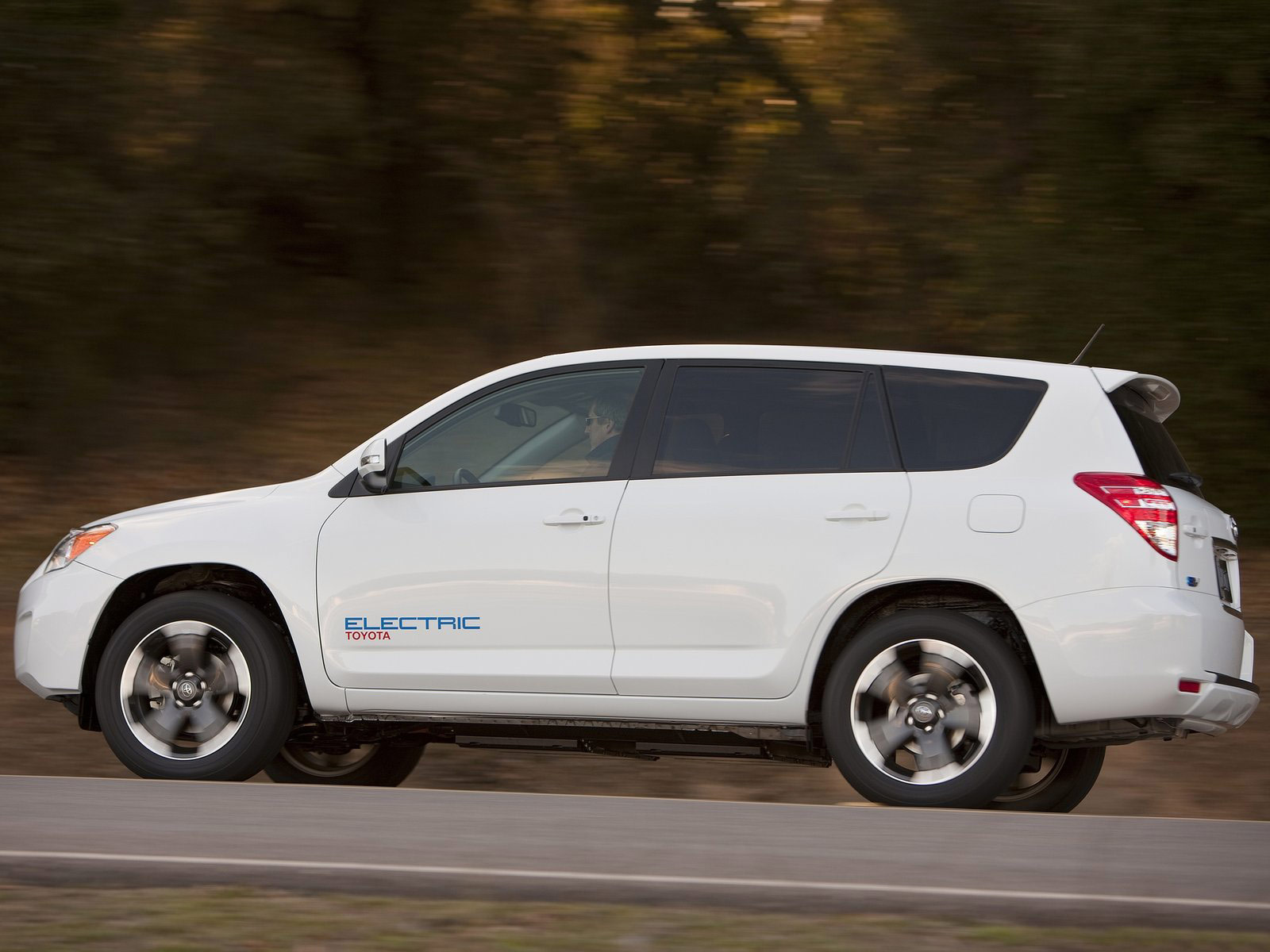 i issues ev orig pcworld with suv electric t cant can is want range article all toyota have the