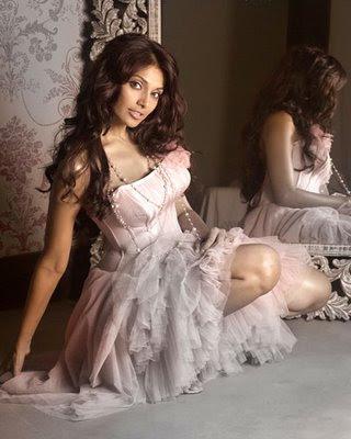 http://3.bp.blogspot.com/_mat9u2gs63c/Ssdw7uznjJI/AAAAAAAACHI/PkLIb6u-DfQ/s400/Bipasha+Basu+Picture-10.jpg