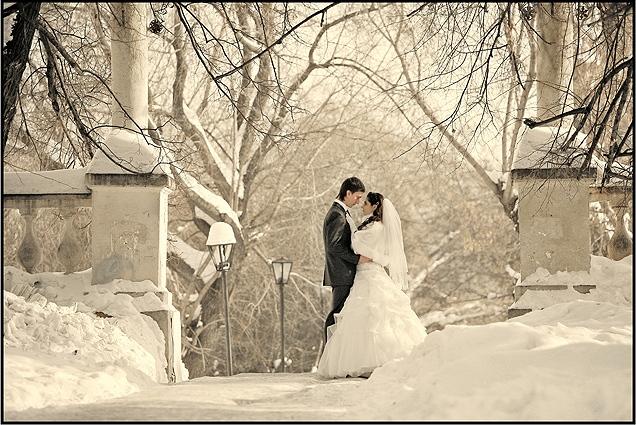 Картинки двое влюбленных со спины зима