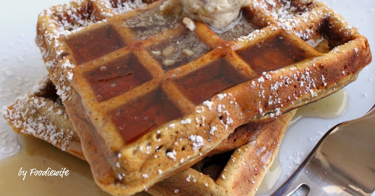 Feast for the Eyes: Gingerbread (Pumpkin) Waffles