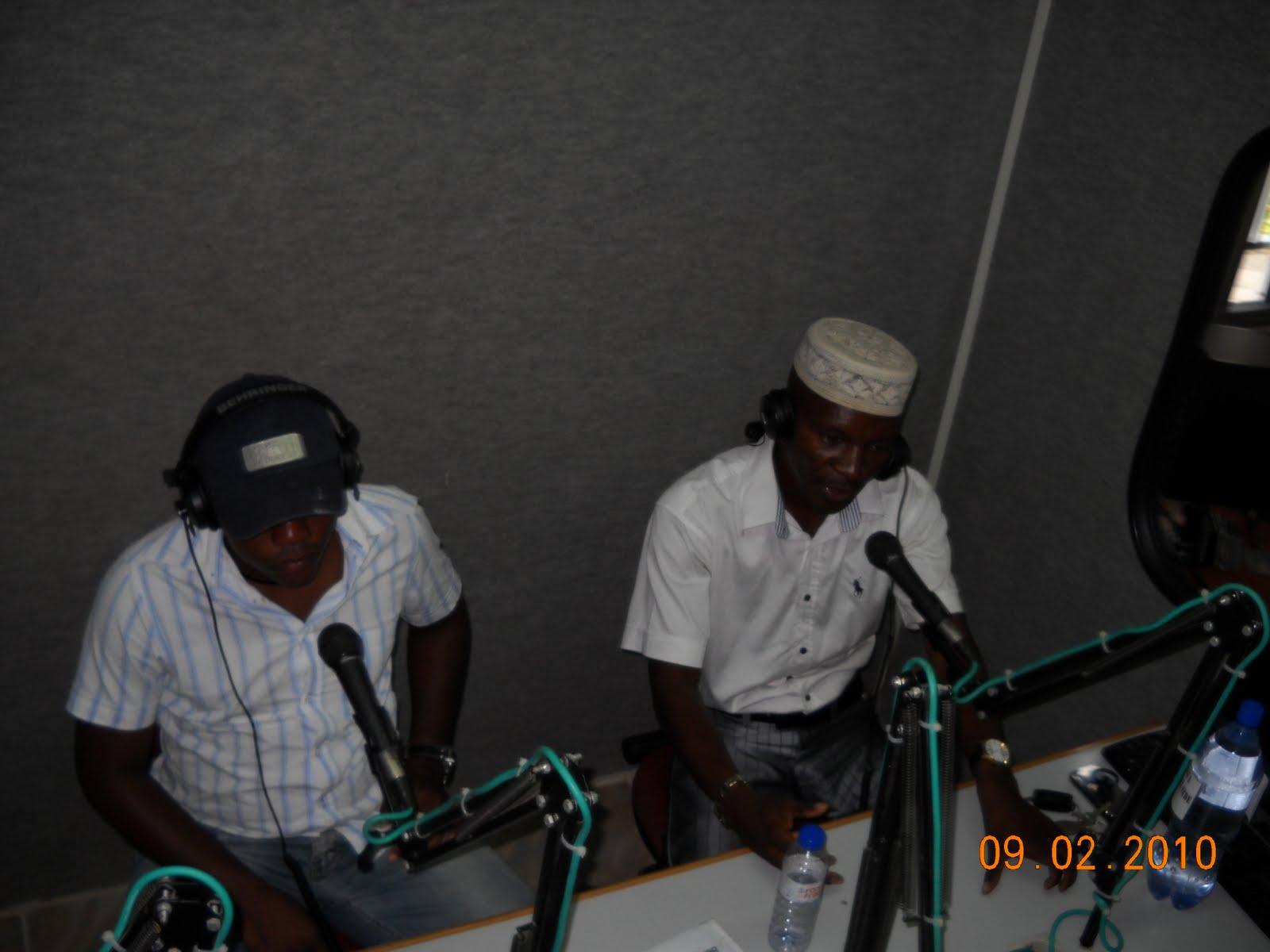 Preventiva Angola: Mesa redonda: O cidadão a lei e o advogado #BF5F0C 1600x1200