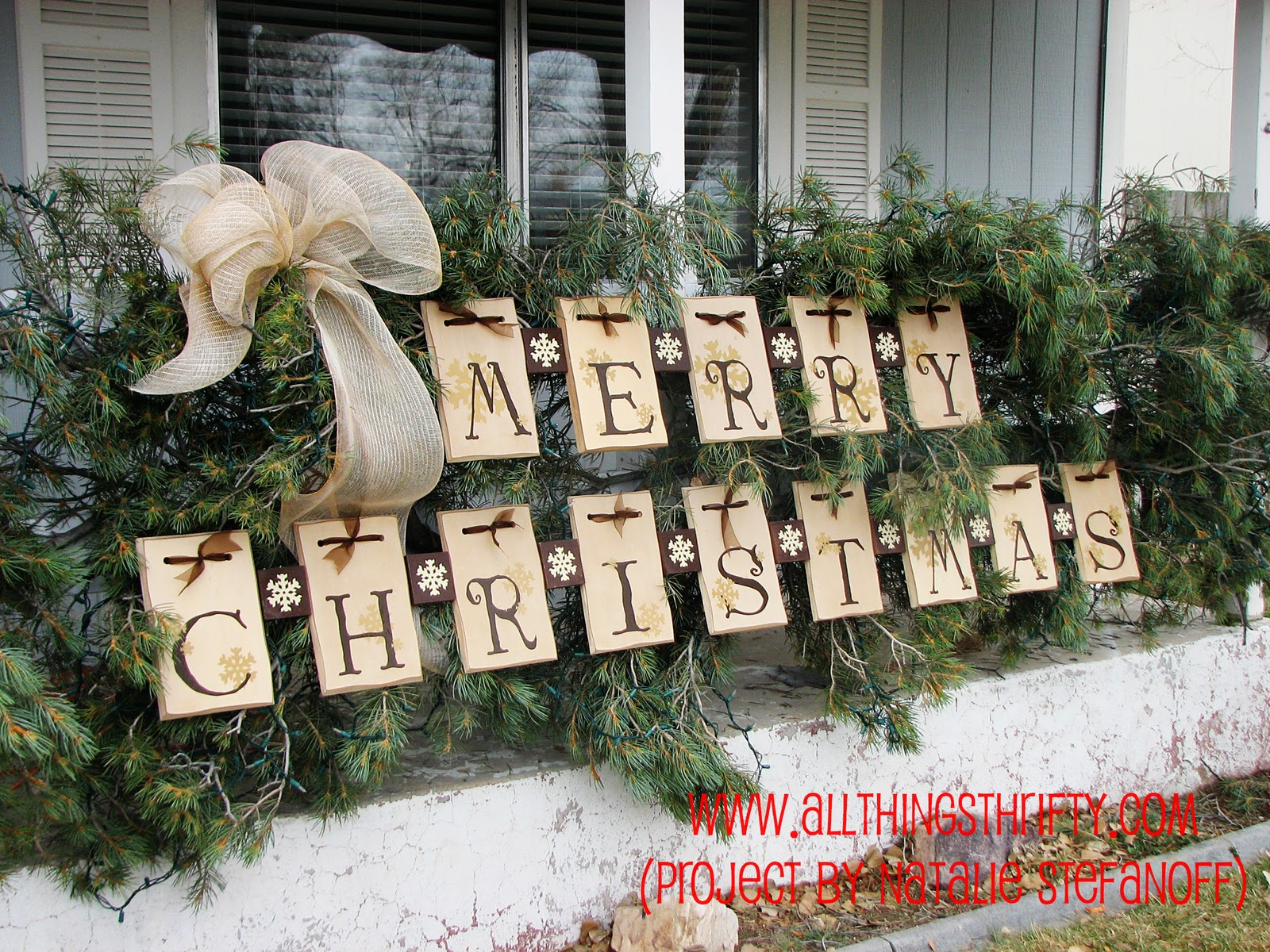 Dress up your porch for the holidays Diy outside christmas decorating ideas